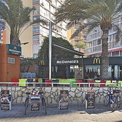 Benidorm McDonalds | Classic, long-running fast-food chain known for its burgers, fries & shakes.